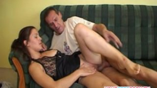 Old Fitness instructor fucks young babe in gym.mp4