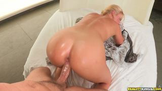 monstercurves Payton gets her pussy pounded and gets that man juice all over her pretty face.