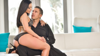Mick Blue,Gracie Glam - Seductress Gracie Glam & MIck Blue hook-up in sensual scene