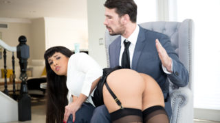 Manuel Ferrara,Mercedes Carrera - Busty big booty babe finishes interview with a hard fuck