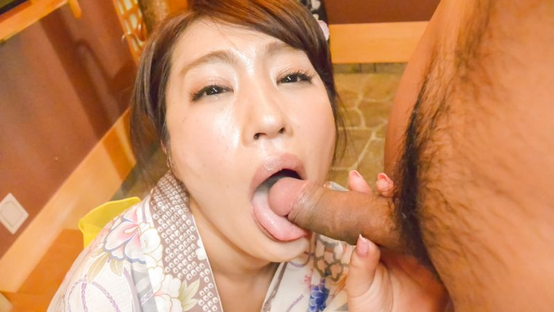 JAVHD Wife Ryouka Shinoda kneels to suck this guy's dick