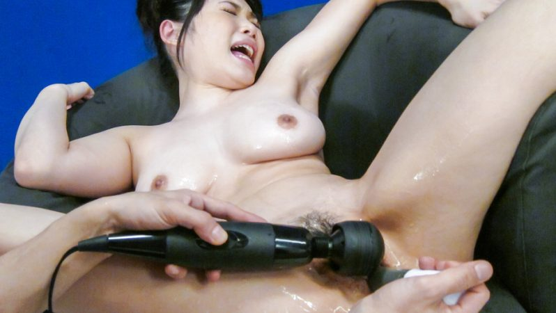 AVTits Adorable Honami Uehara is in for a steamy solo